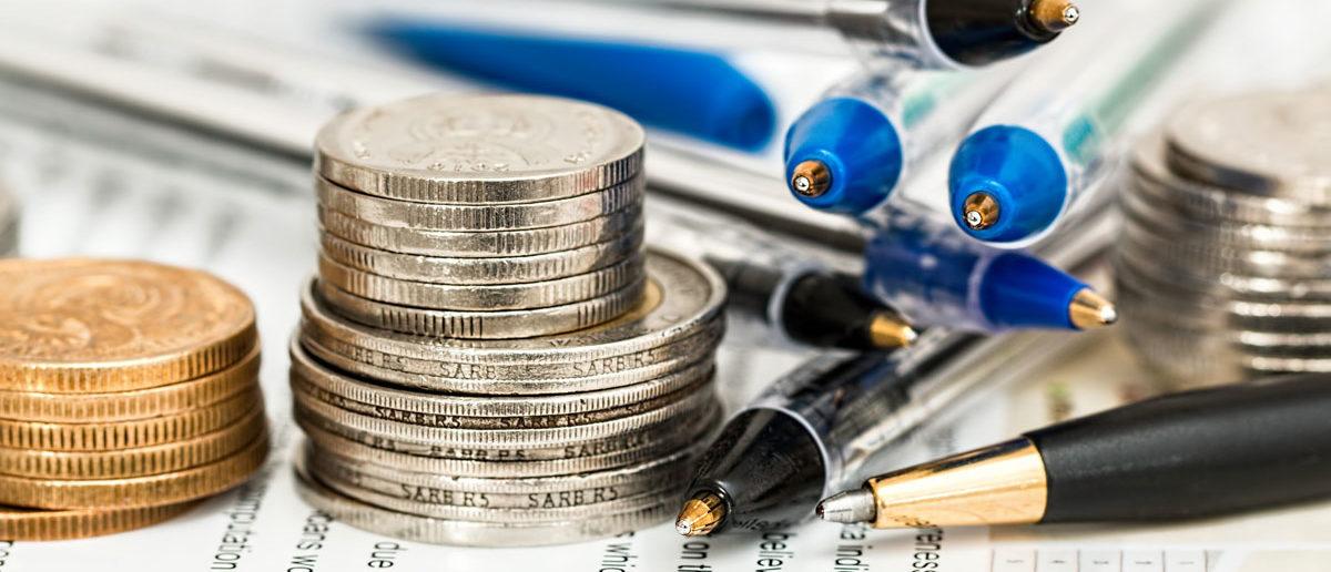 Münzen, Kugelschreiber, Formular