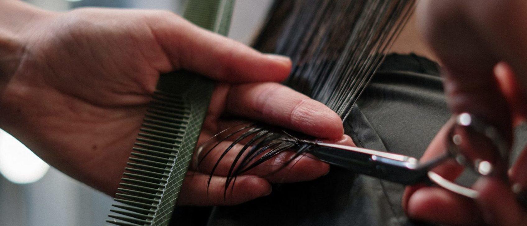 Haareschneiden beim Friseur